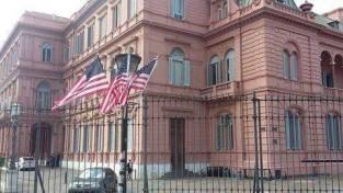 bandera yanky en la casa rosada