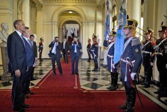 obama macri fotogragfos y granaderos