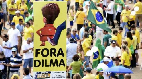 Protesta-en-Brasil-contra-Dilma-Rousseff1-969x6251