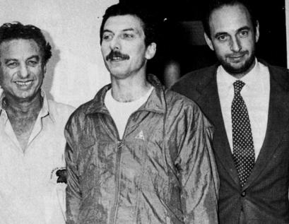 DYN202, BUENOS AIRES, 18/11/2015, EL CANDIDATO PRESIDENCIAL, MAURICIO MACRI, JUNTO A SU PADRE FRANCO MACRI Y EL MINISTRO DEL INTERIOR JOSE LUIS MANZANO LUEGO DE SER LIBERADO DE SUS SECUESTRADORES, AÑO 1991 . FOTO:DYN
