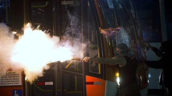 brasil-protesto-onibus-passe-livre