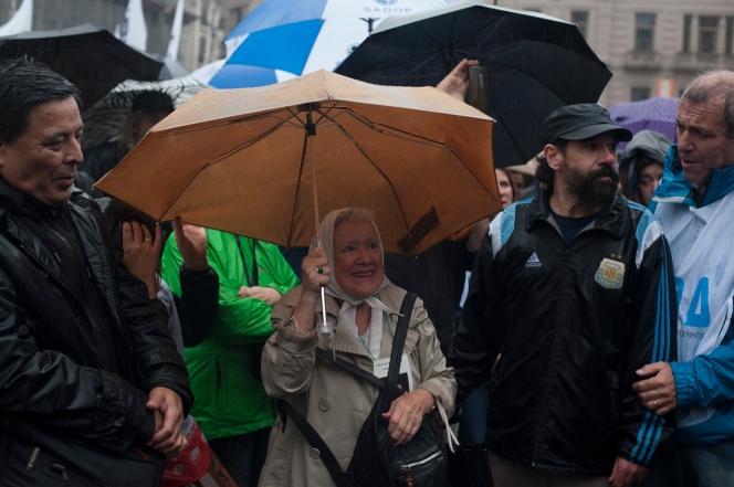 Buenos Aires 10 abril 2017 Abrazo al congreso por la represión a los docentes foto Rolando Andrade Stracuzzi ley 11723