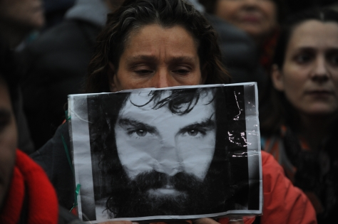 Aires 11 agosto 2017 aparicion con vida de Santiago Maldonado en plaza de mayo foto Rolando Andrade Stracuzzi ley 11723