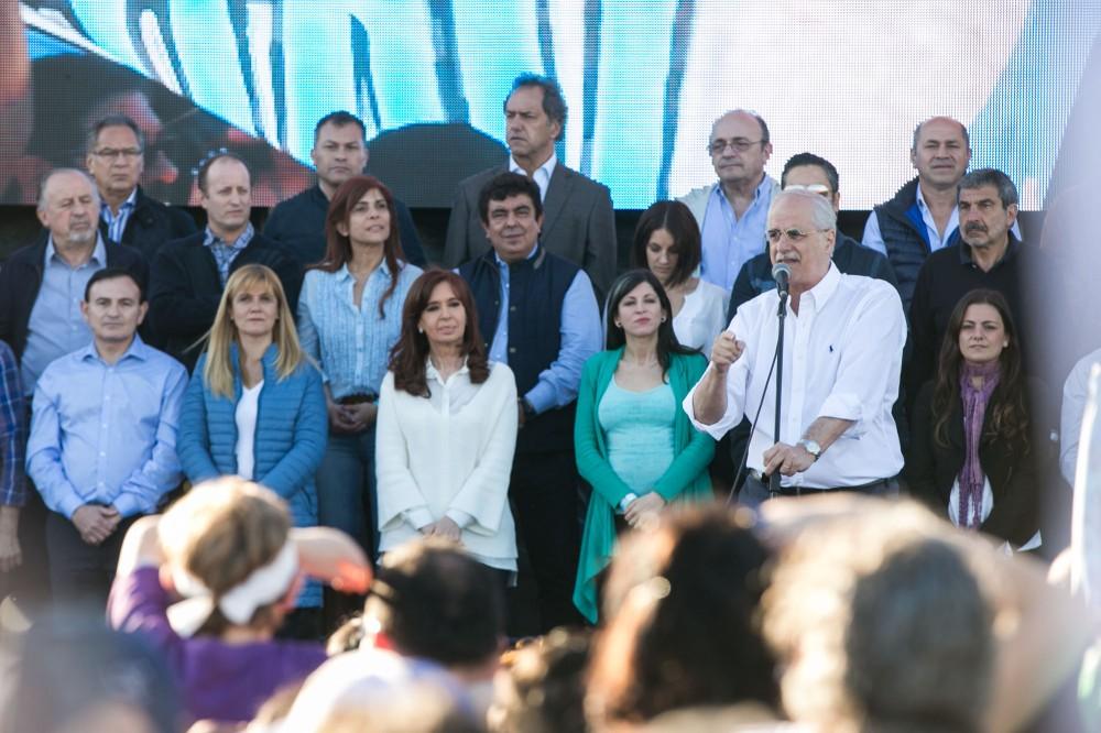 13_CFK en Varela.JPG