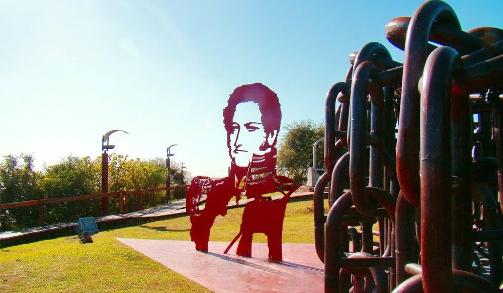 monumento-obliGADO.jpg